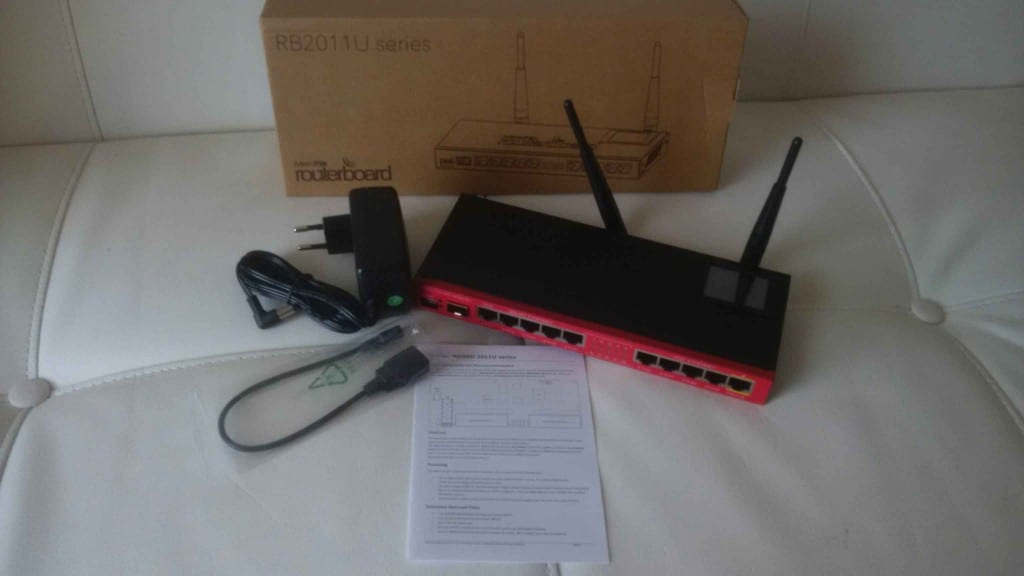 maquinas-virtuales-rb2011uias-2hnd-in-router-mikrotik-2